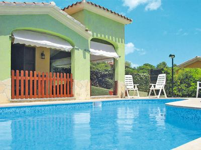 Photo for 3 bedroom Villa, sleeps 6 with Pool, Air Con, WiFi and Walk to Shops