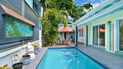 Amelia's Hideaway ~ Hidden Courtyard Villa with Private Pool