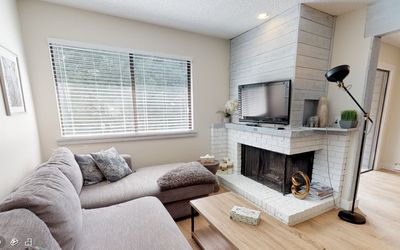 Photo for Birch Wood (2.5 bed/2 bth), family friendly, 5 min to lift/fr prkng