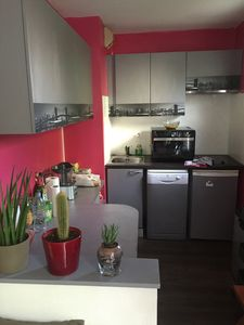 Photo for Apartment 4 people, swimming pool, garage center ville routiere