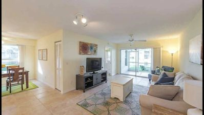 Photo for 1st Floor Lake View Condo-minutes to the beach