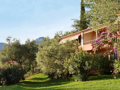 Photo for One bedroom Apartment, sleeps 4 in Malcesine with Air Con and WiFi