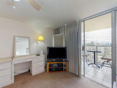 Photo for NEW LISTING! Ocean view studio w/ lanai & shared pool/hot tub/gym - in Waikiki!