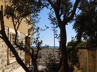 Photo for Sea view! In front of the beach! Large T3 in Beachfront Villa