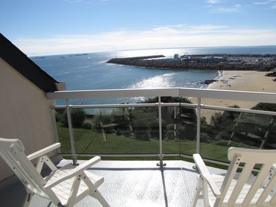 Photo for Apartment on sea, feet in the water and direct access to the beach of the Countess!