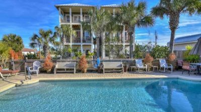 Photo for Silver Sands! 4  bed/4ba private pool & Gulf views – 60-second walk to beach