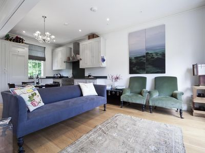Photo for St Anns Road - luxury 1 bedrooms serviced apartment - Travel Keys