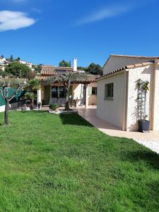 Photo for Close to the village of Pégomas, pretty terraced house with garden, swimming pool