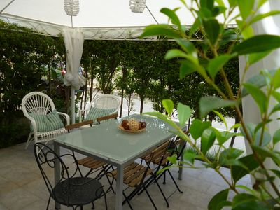 Photo for Cozy and family-friendly seafront holiday home and a stone's throw from Etna