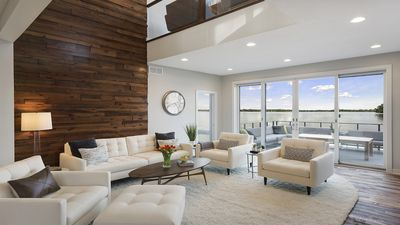 Cozy and brightly lit living space will make you feel right at home !