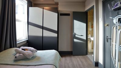 Double with Private Shower Room - Arboretum Suite