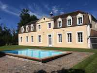 Fabulous chateau, well and equipped and very stylish with welcoming hosts