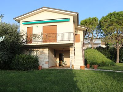 Photo for Holiday apartment Apartment in villa with shared swimming pool