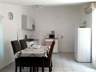 Photo for Comfortable 2 Bedroom Apartment with Sea view