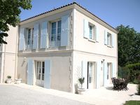 A lovely villa with plenty of space inside and out, in a great position to get to town
