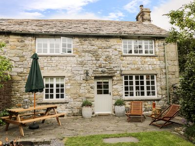 Photo for Bridge End Cottage, STAINFORTH