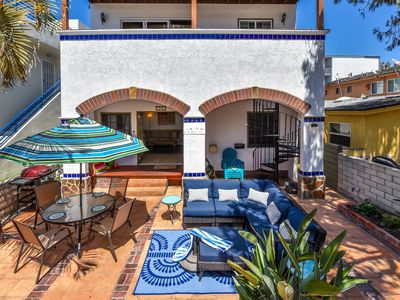 Photo for ☀️Sunny Courtside Condo, 🏖STEPS TO OCEAN OR BAY, Bikes! South Mission BeachSD