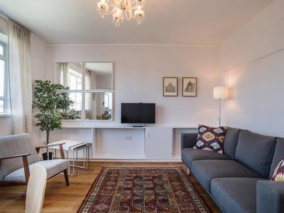 Photo for Lovely 3 Bed w/ Balcony 7 mins to Pimlico Station