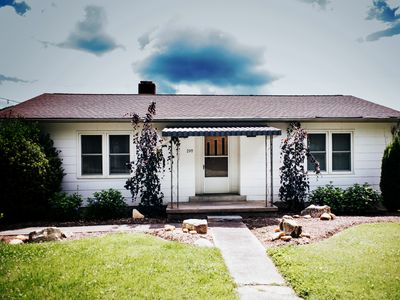 Photo for Dreamy cottage with all the comforts of home.