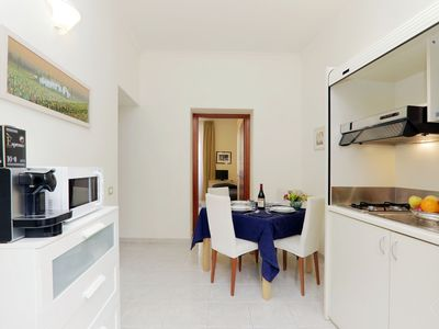 Photo for A modern and contemporary three bedroom apartment for up to seven people, in a central location in R