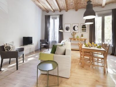 Photo for Miro P1 apartment in Eixample Dreta with WiFi, air conditioning, balcony & lift.