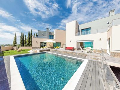 Photo for 4 bedroom Villa, sleeps 8 in Boavista with Pool, Air Con and WiFi