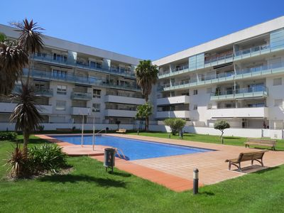 Photo for POMA. Apartment with nice terrace, private parking space and community pool.