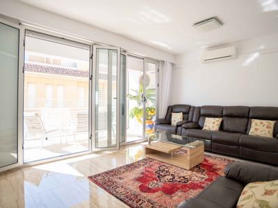 Photo for Beachside Luxury Two Bedroom Apartment
