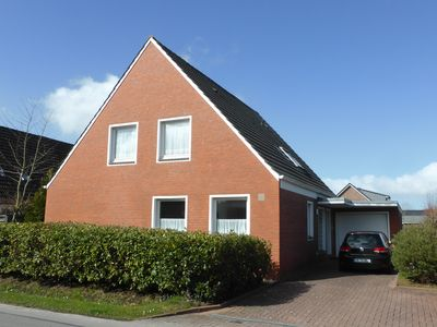 Photo for Beautiful apartment with garden use in Neuharlingersiel