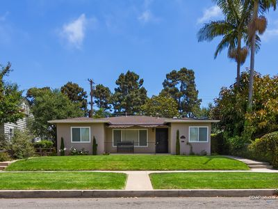 Photo for Casa Sand - Updated home blocks to the beach with HUGE yard!!!