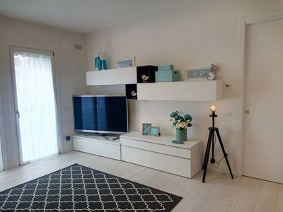 Photo for Desenzano NEW 2 bedroom w / 2 bathroom apartment! 017067-CNI-00306 T02575