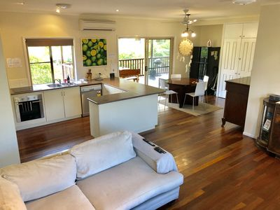 Photo for Best location beach Home 5min walk Airlie Centre!