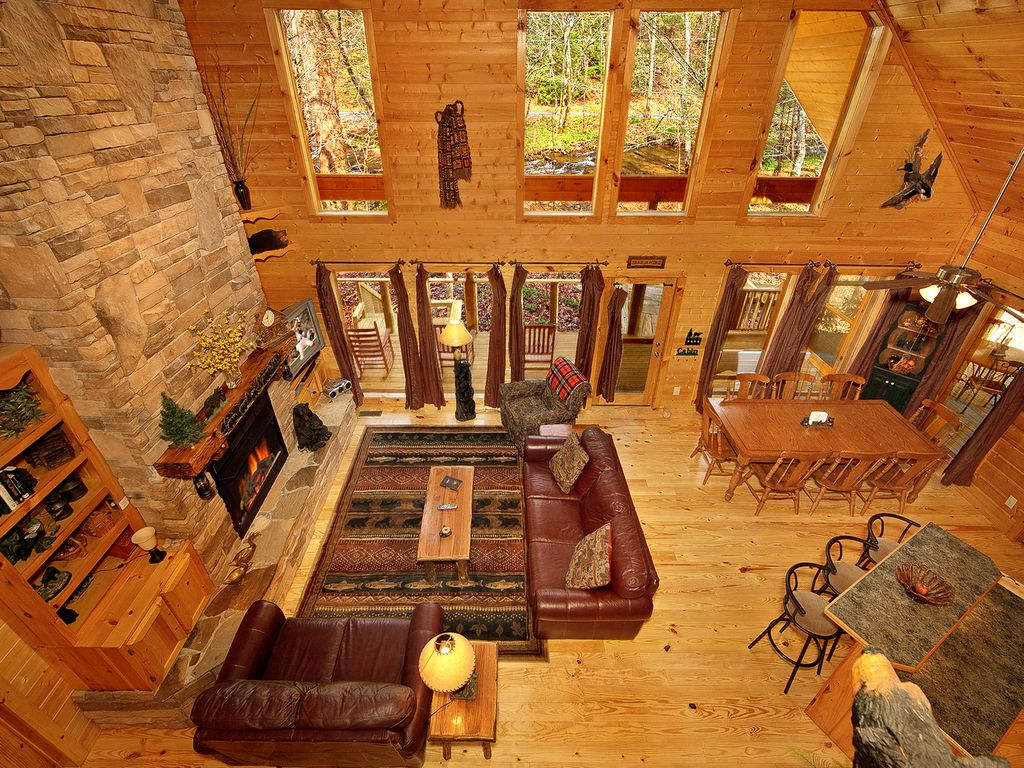 cabin on the creek 4 bedroom luxury cabin with outdoor fireplace