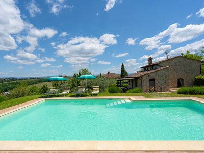 Photo for Stunning private villa for 6 guests with WIFI, private pool, TV and parking
