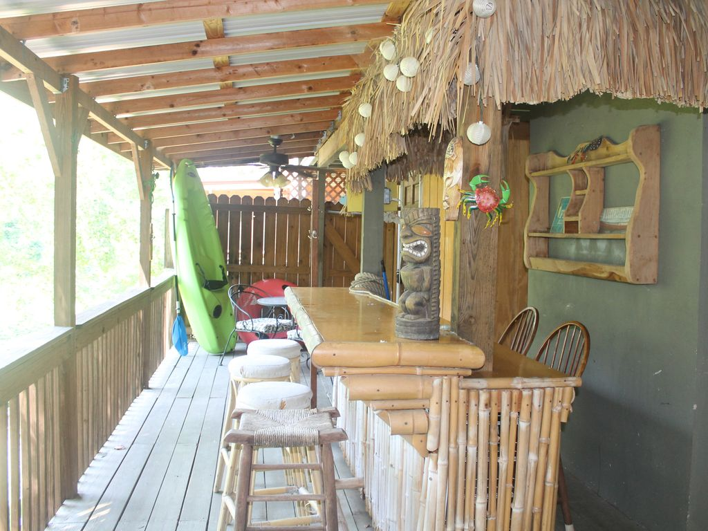Renovated Lake Haven 2 2 W Tiki Bar Easy Lake Access