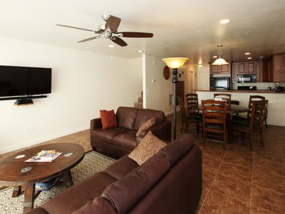 3 Bedroom, 2.5 Bath Townhome with Views of the Rim
