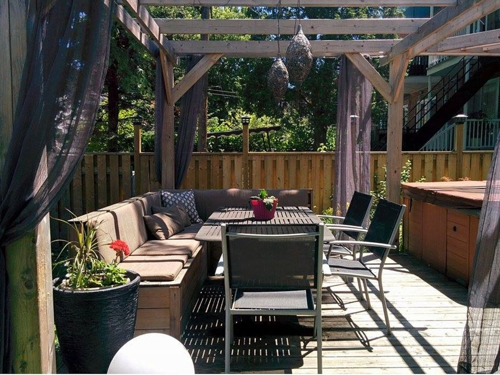 Two-story7-room apartment: backyard, jacuzzi, family-friendly, great location