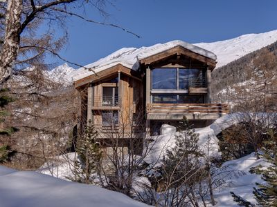 Photo for Luxury family chalet in tranquil setting but close to ski lift and town centre.