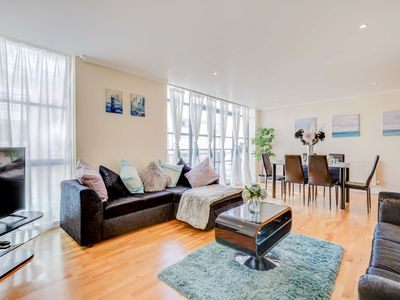 Photo for Town Meadow 3Bed 2Bath Brentford London
