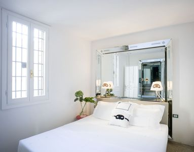 Photo for Beautiful luxury apartment in the center of Venice