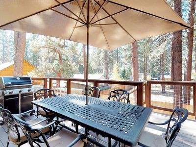 Photo for Spacious home w/private hot tub, deck & grill, near lake & skiing