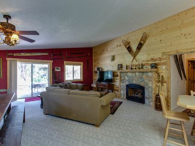 Photo for Rustic-inspired forest cabin w/vintage decor near Downtown McCall!
