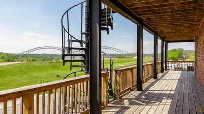 Train Station River View| 9 beds| 5mi. from Dtown Lou. & 10 min Expo&Churchill