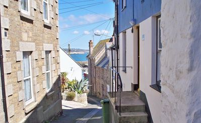 Photo for PORT COTTAGE, pet friendly in Penzance, Ref 962648