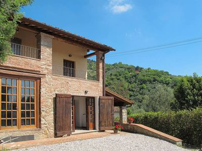 Photo for Vacation home Casa Al Colletto  in Lucca (LU), Pisa - Lucca surroundings - 9 persons, 4 bedrooms