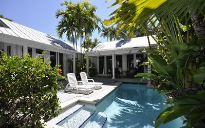 PACKER RETREAT - A beautifully renovated Conch house
