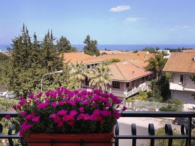 Photo for Apartment, Giarre  in Um Taormina - 6 persons, 3 bedrooms