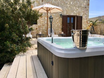 Photo for Luxury Villa with Jacuzzi Outdoor 10/12 beds.