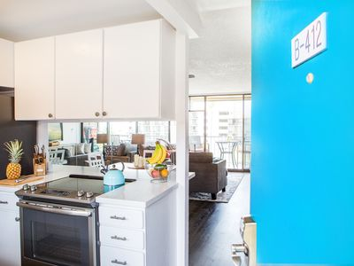 NEW LISTING - Special Rates - Beautiful renovated condo with ocean views!