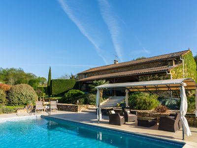 Photo for Beautifully decorated holiday home in a quiet, green setting near Belvès (10 km)